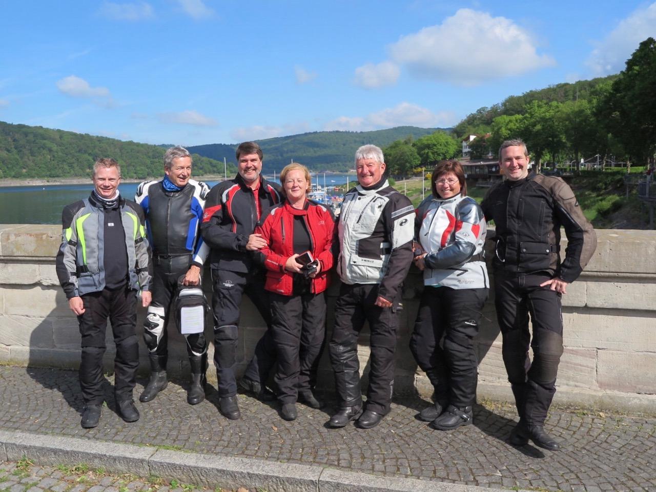 Die Gruppe 1 der Tour an der Edertalsperre