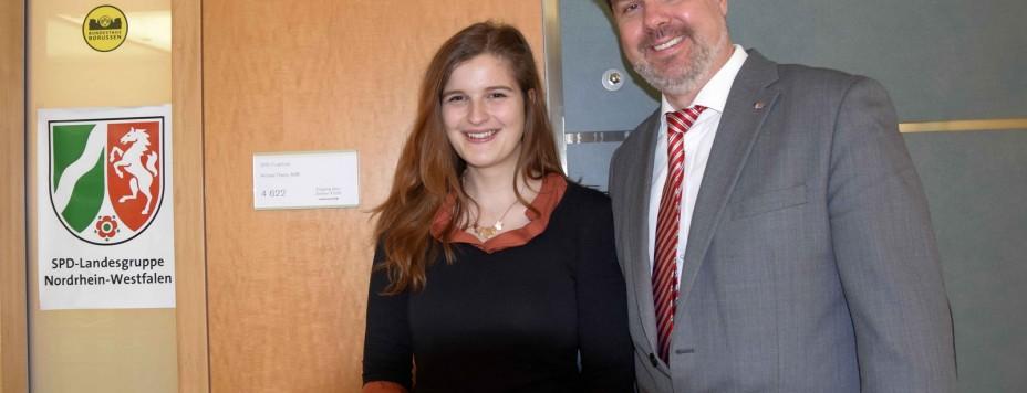 Roxanne Camen im Bundestag bei Michael Thews_1