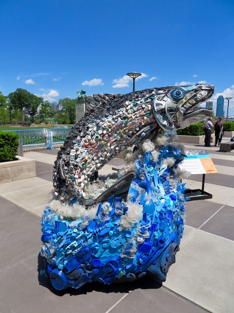 Kunstwerk Ozean-Müll in New York 02